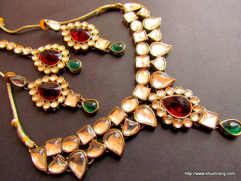 Unique Kundan Necklace Set