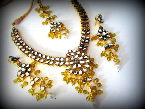 Morning Sun Kundan Necklace Set