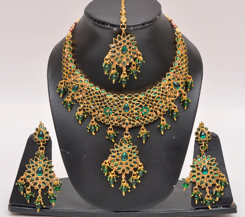 Beautiful Green Tone Necklace Set