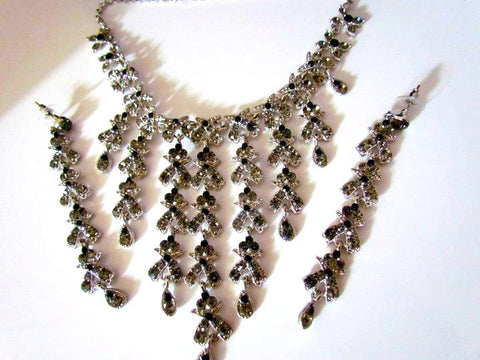 Fashionable Indian Necklace Set