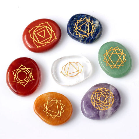 Modern 7 Piece Engraved Traditional Chakra Pattern Stone Hand Play Stone Crystal Reiki Healing with One Pouch Figurines Craft