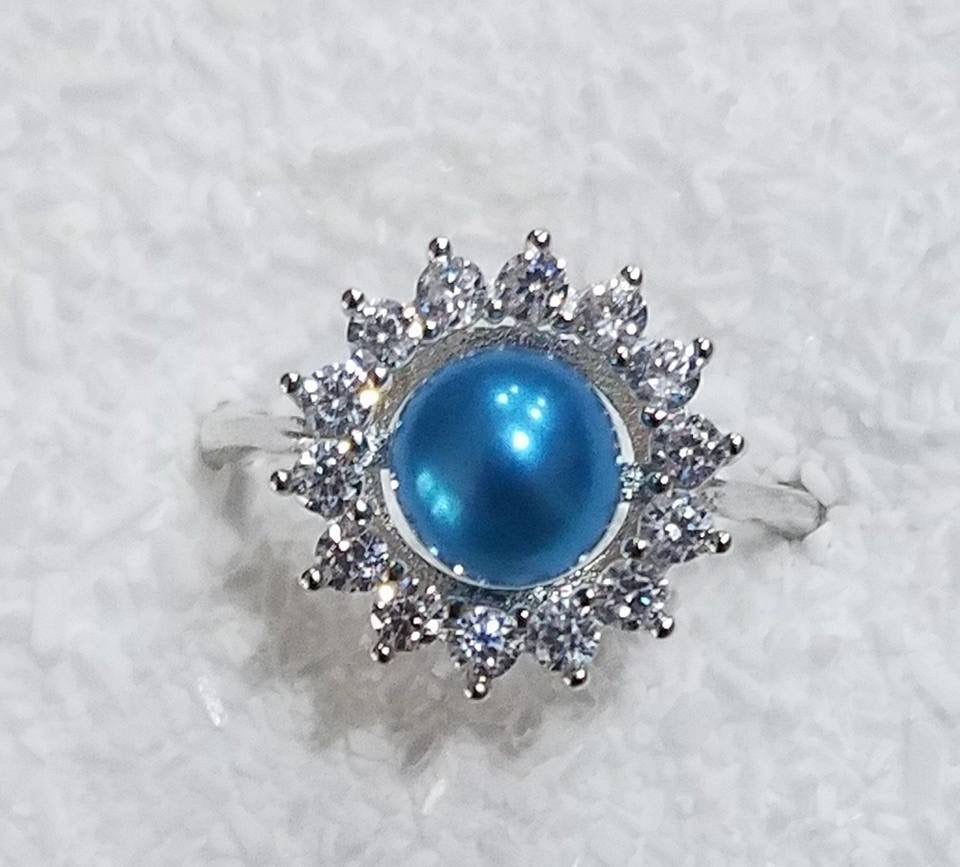 Amy ring with extra large pearl