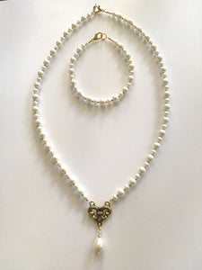 Swarovski Pearl Necklace Set with Crystal