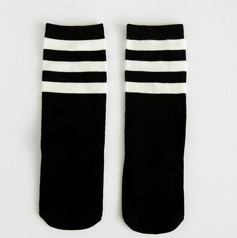 BLACK & WHITE KNEE SOCKS 0-6 years old