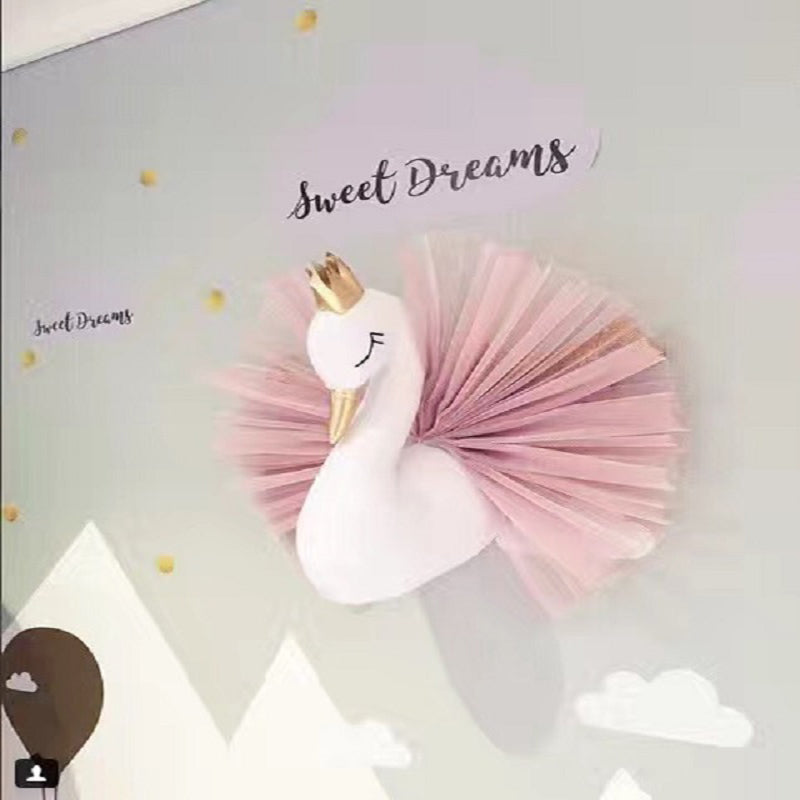 CROWN SWAN WALL HANGING TOY