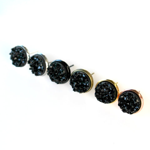 Black Stud Earrings | 10mm