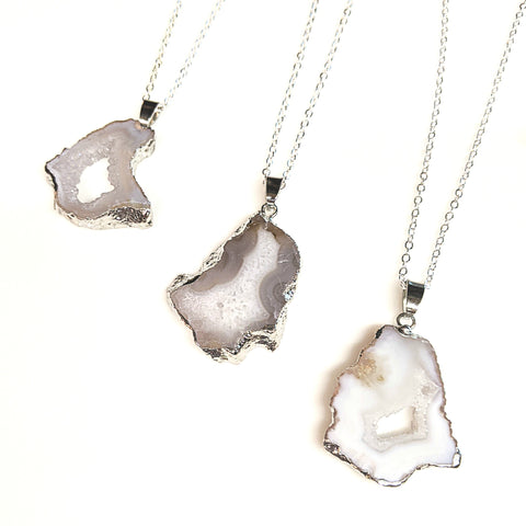 White Agate Gemstone Pendant Necklace | 36"