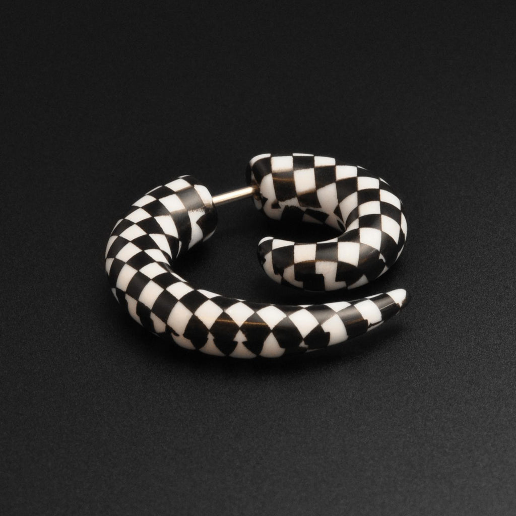 Black & White Checked Acrylic Fake Gauge Spiral