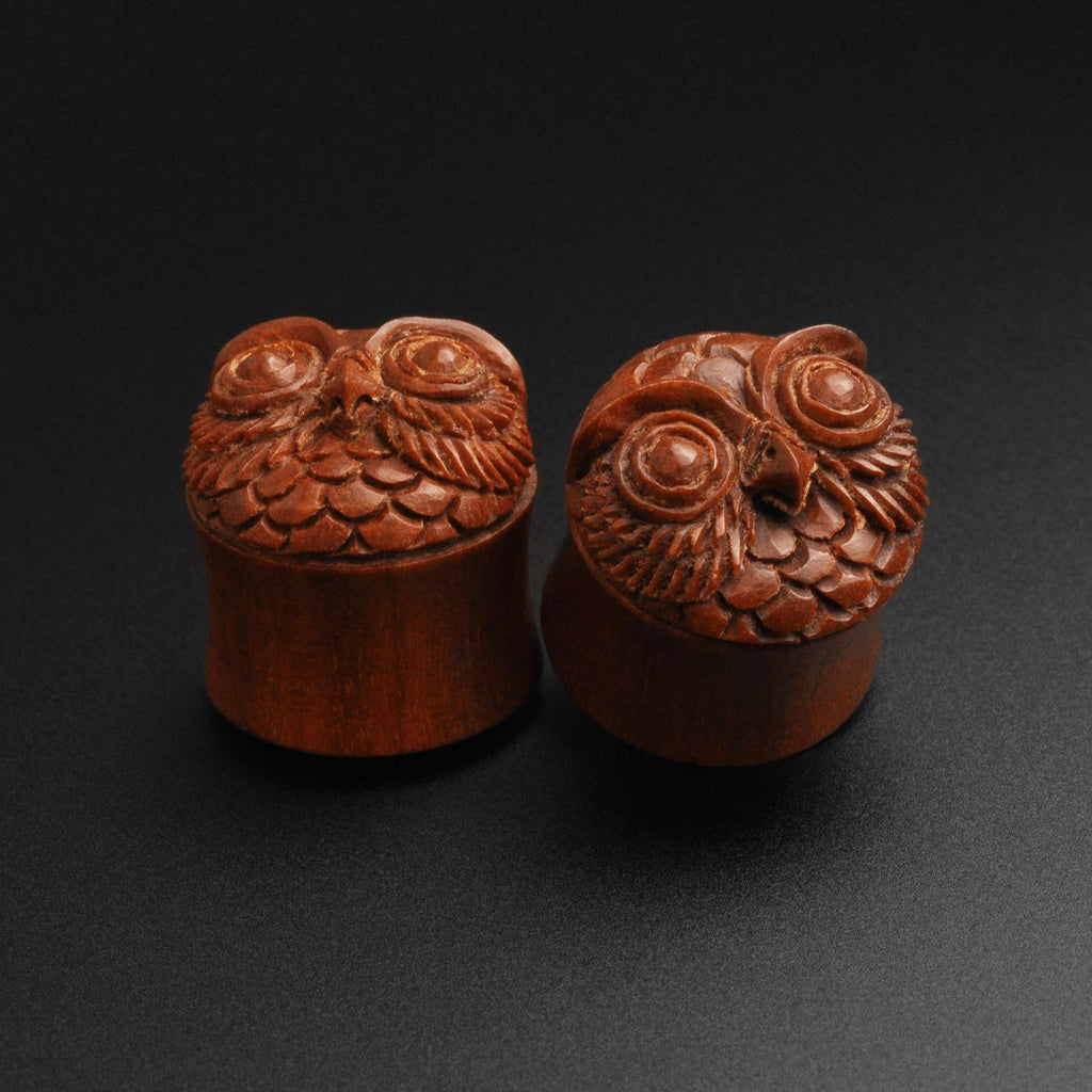 Saba Wood Double Flare Plug With Owl Carving