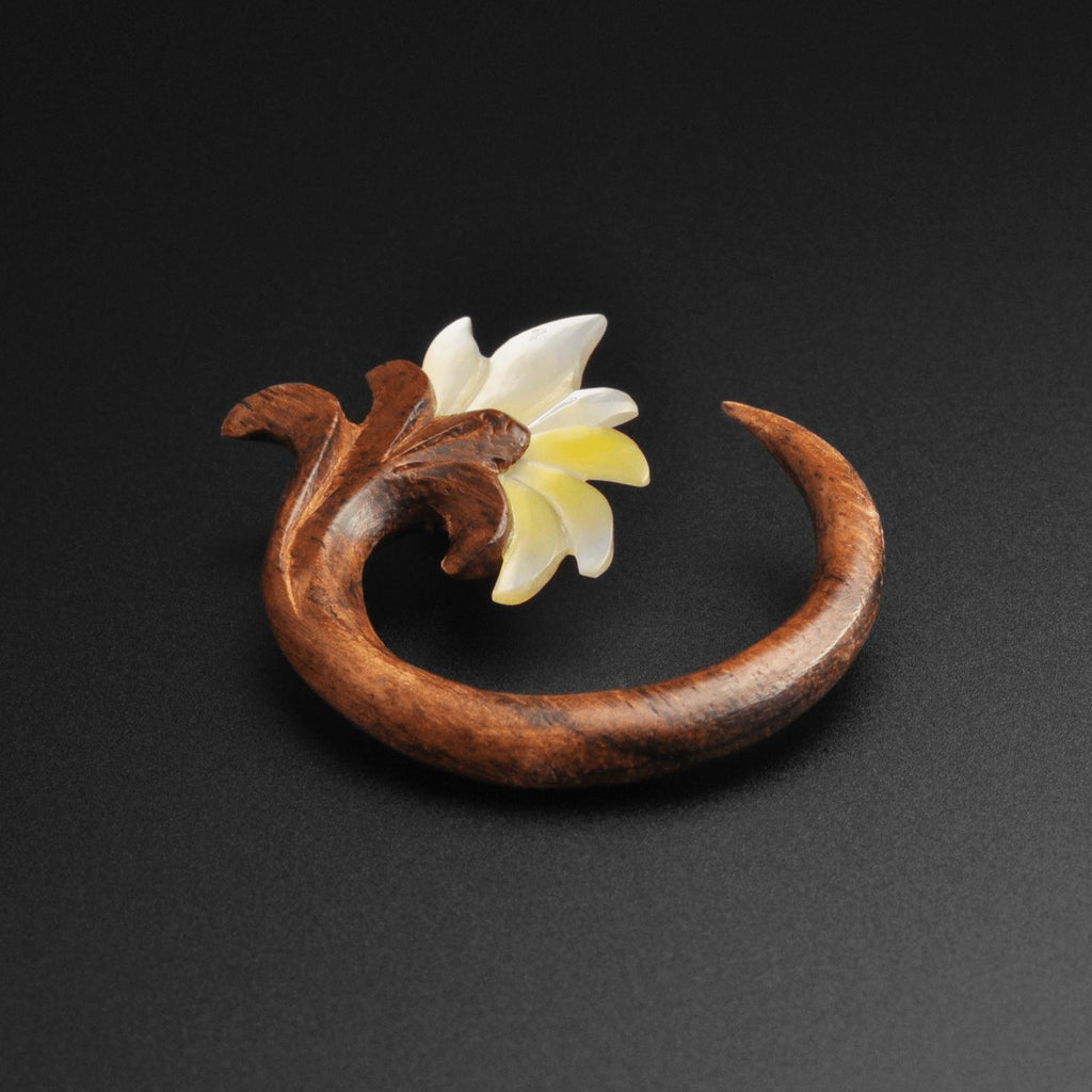 Sono Wood Spiral With MOP Flower Carving