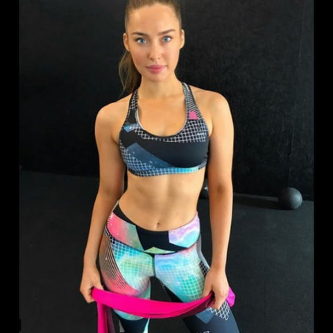 Roz Purcell working out with My Cooling Towel