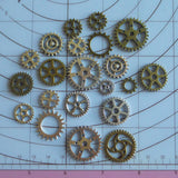 Gears 20pc lot assortment .8cm-2.5cm .25inch-1.2inch steampunk accessories DIY watch gears, clock gears cogs - Mud And Majesty