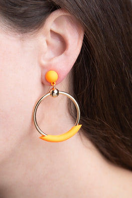 Type 1 Peach Stand Earrings