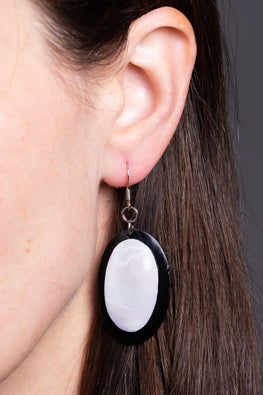 Type 4 Bold Me Oval Earrings
