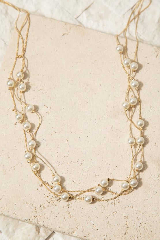 Type 1 The Girl in Pearls Necklace