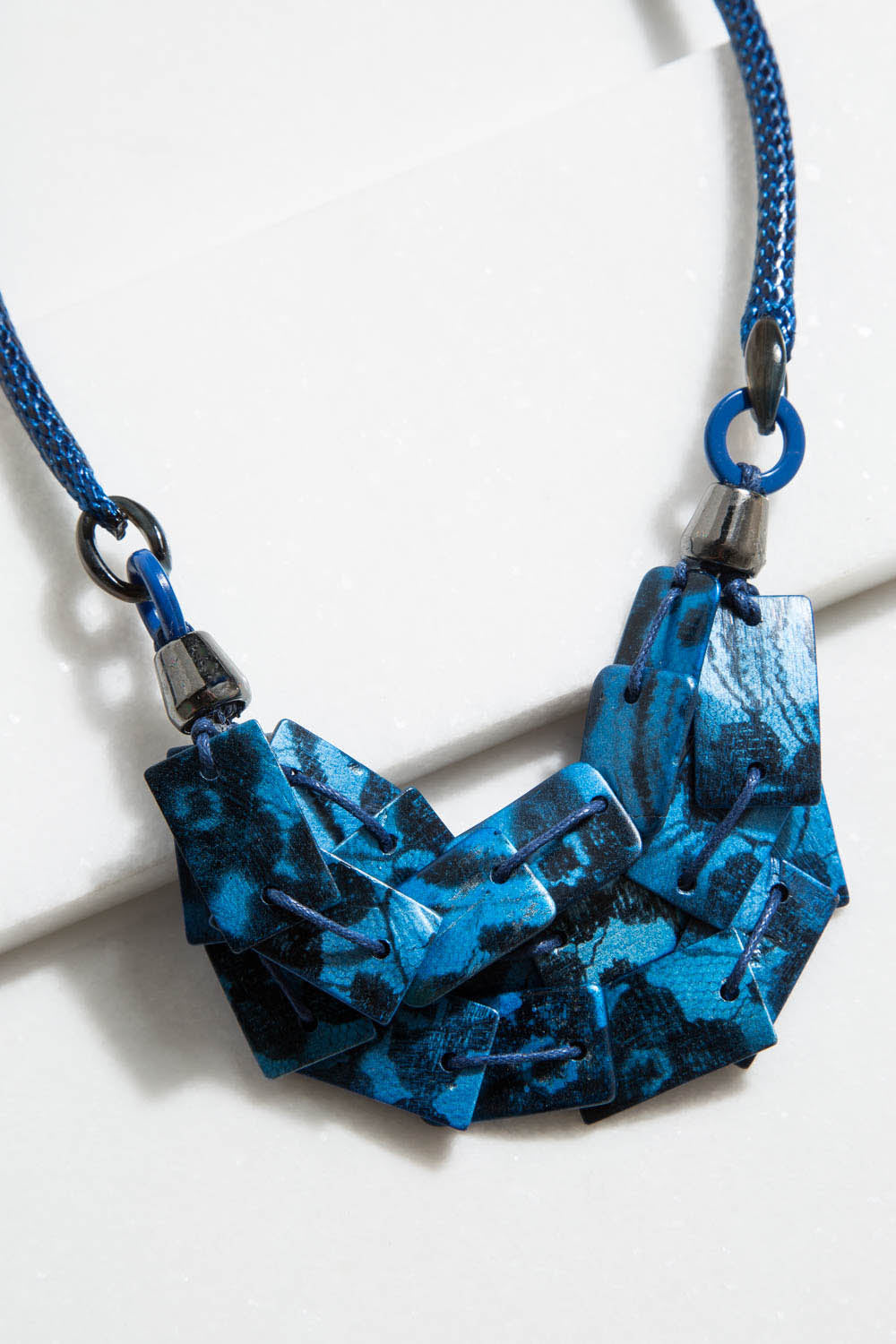 Type 4 Blue Contrast Necklace