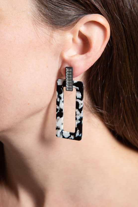 Type 4 Advanced Showing Earrings