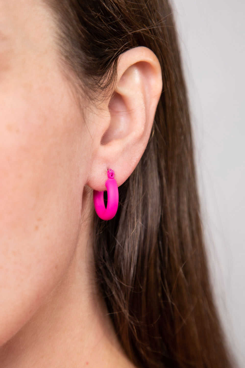 Type 4 Color Bomb Earrings in Neon Pink