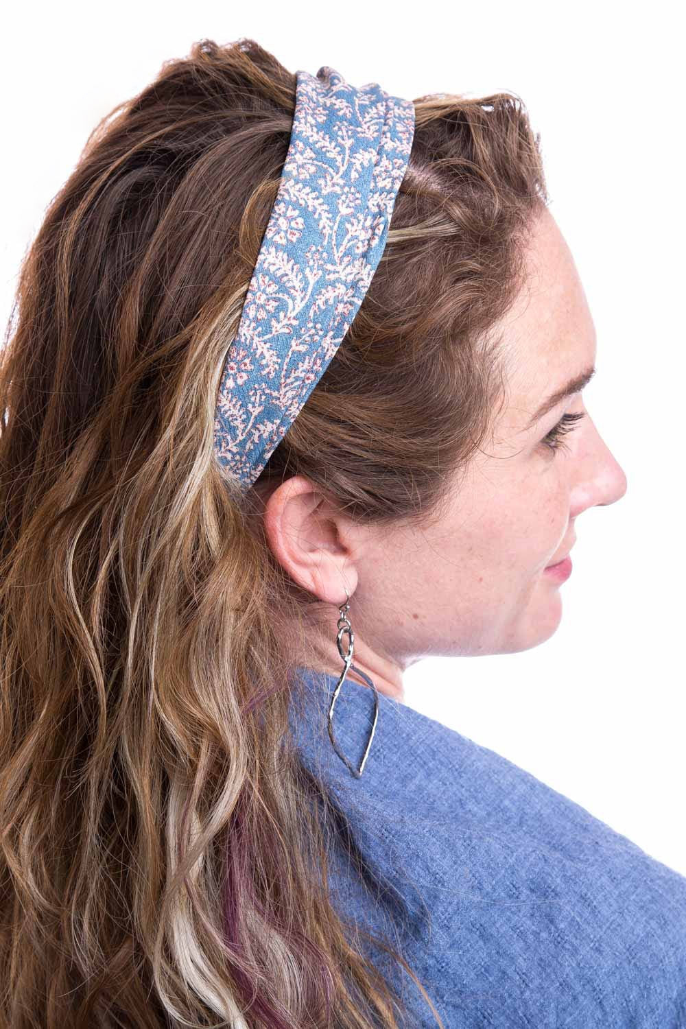 Type 2 Demure Headband In Blue