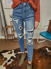 Load image into Gallery viewer, Judy Blue Pin Strip Distressed Skinnys