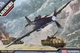 ACADEMY 1/72 IL-2M & PANTHER D