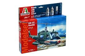 ITALERI 1/72 UH-1C GUNSHIP STARTER SET