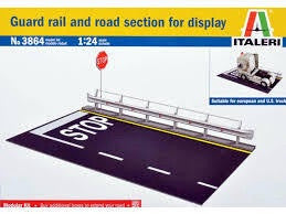 ITALERI 1/24 GUARD RAIL & ROAD