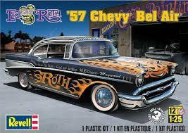 REVELL 1/25 '57 CHEVY BEL AIR