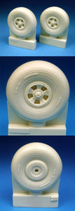 BARRACUDACAST 24201 1/24 HAWKER TYPHOON LATE STYLE MAINWHEELS