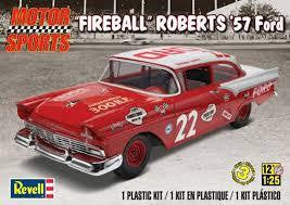 REVELL 1/25 FIREBALL ROBERTS '57 FORD