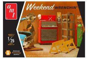 AMT 1/25 GARAGE ACCESSORY #1 WEEKEND WRENCHIN'