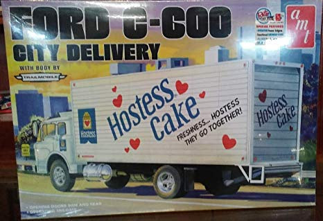 AMT 1/25 FORD 600 DELIVERY TRUCK