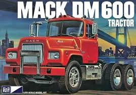 MPC 1/25 MACK DM600 TRUCK