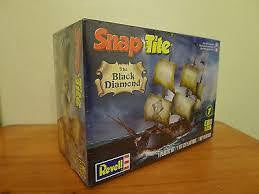 REVELL 1/350 SNAP TITE BLACK DIAMOND PIRATESHIP