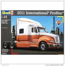 REVELL 1/24 INTERNATIONAL PROSTAR