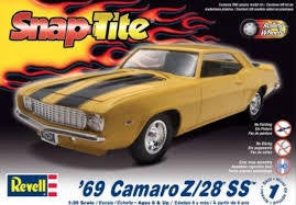 REVELL 1/25 SNAP TITE '69 CAMARO Z-28 SS