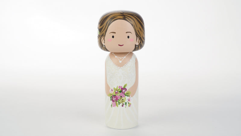Customized Mother of the Bride wedding Kokeshi dolls, Peg Dolls! Mother of the Bride, she is as important as the Bride on the BIG day. Congratulations to all the Brides' moms. These cute Kokeshi dolls show the unique sides of bride and mother of the bride. A great touch of personality to your wedding. What a great keepsake it would be!