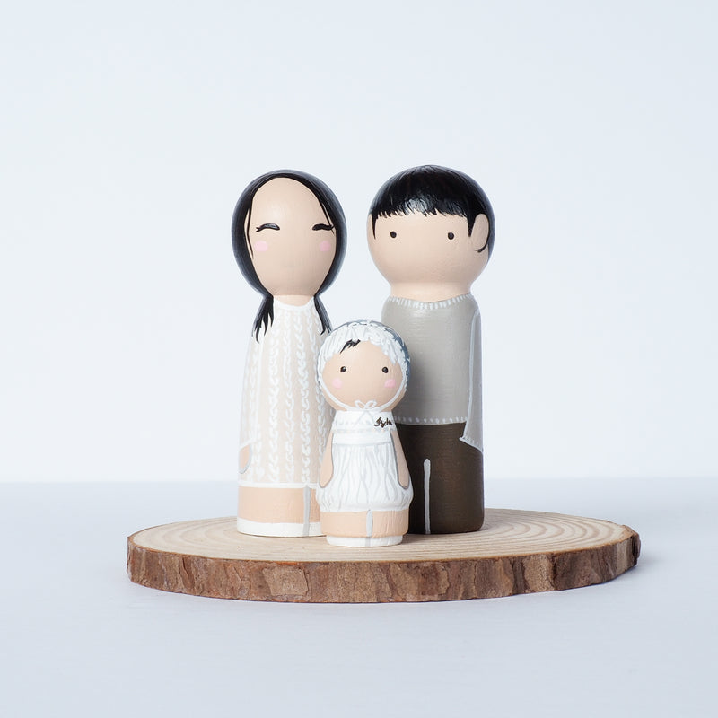 Family Peg Dolls - Family Portrait on Mini wooden dolls