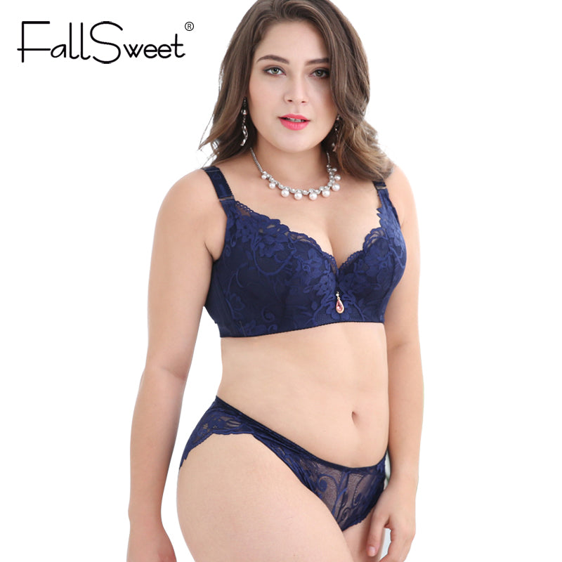 Sexy plus size bra and panties