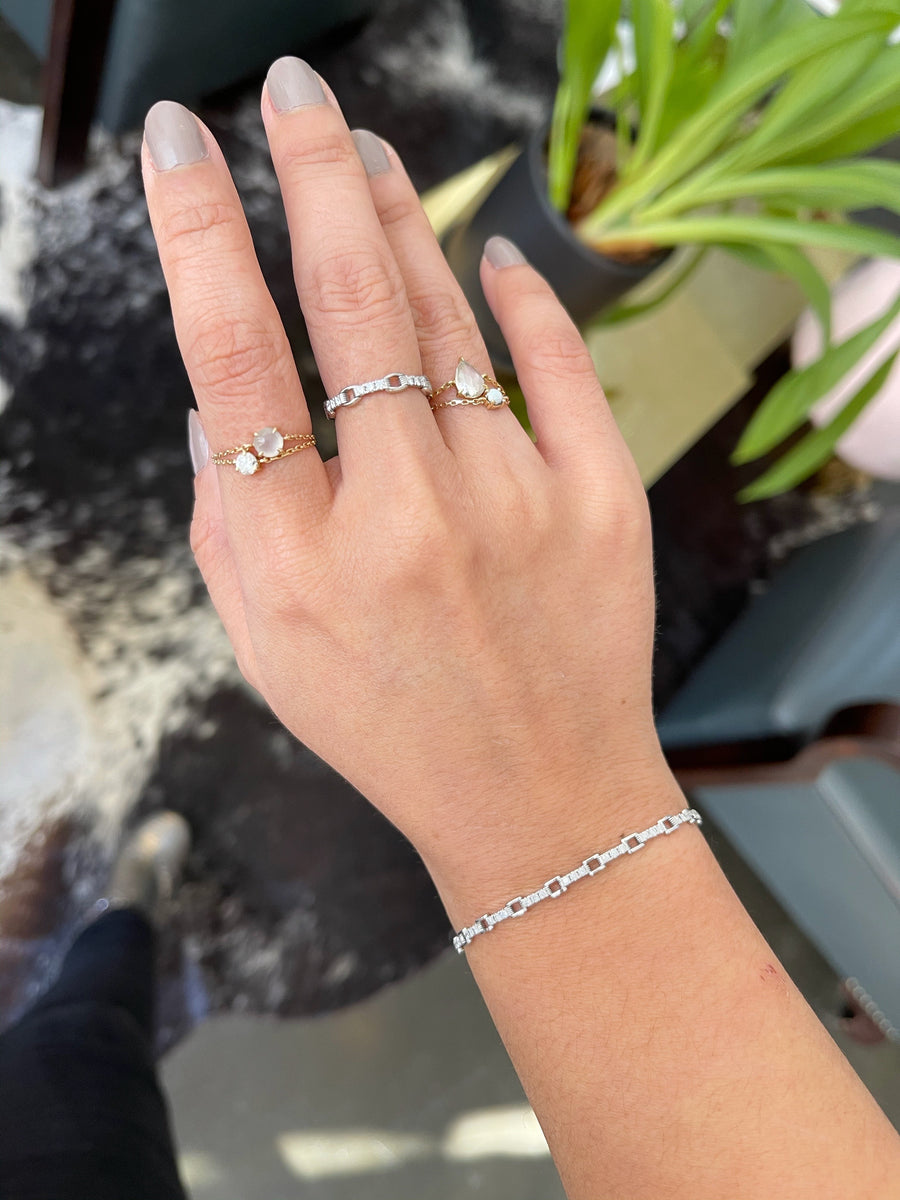 Platinum Diamond Links Chain Ring