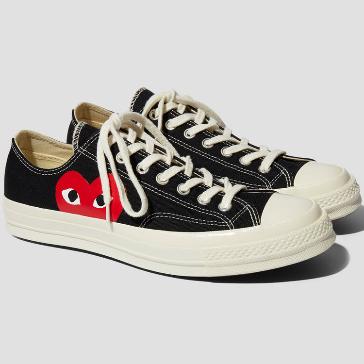 Play Converse Chuck Taylor Low in Black
