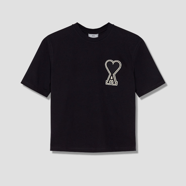 A20HJ137.726 T-SHIRT WITH OVERSIZE AMI DE COEUR PATCH Black