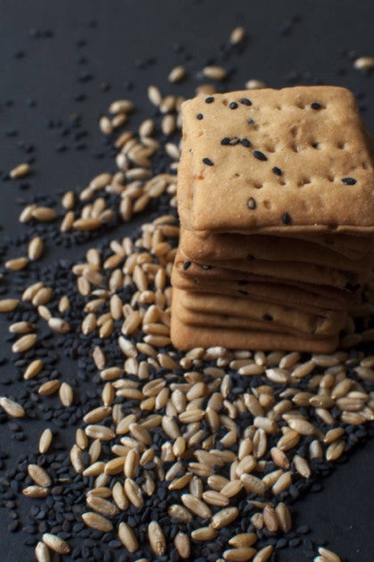 100% Whole Wheat & Whey Crackers