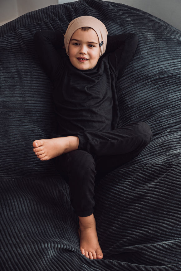 LOUNGEWEAR SET - BLACK - Flynn Jaxon