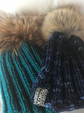 Load image into Gallery viewer, Quick Knit Pompom Hat yarn kit