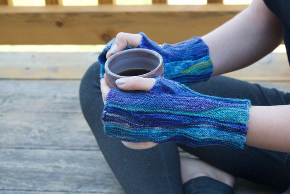Snow Wave Designed by Angela Mühlpfordt Fingerless Gloves - Download
