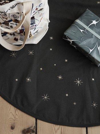 Ferm Living Star Christmas Tree Blanket - Dark Green - Scandibørn
