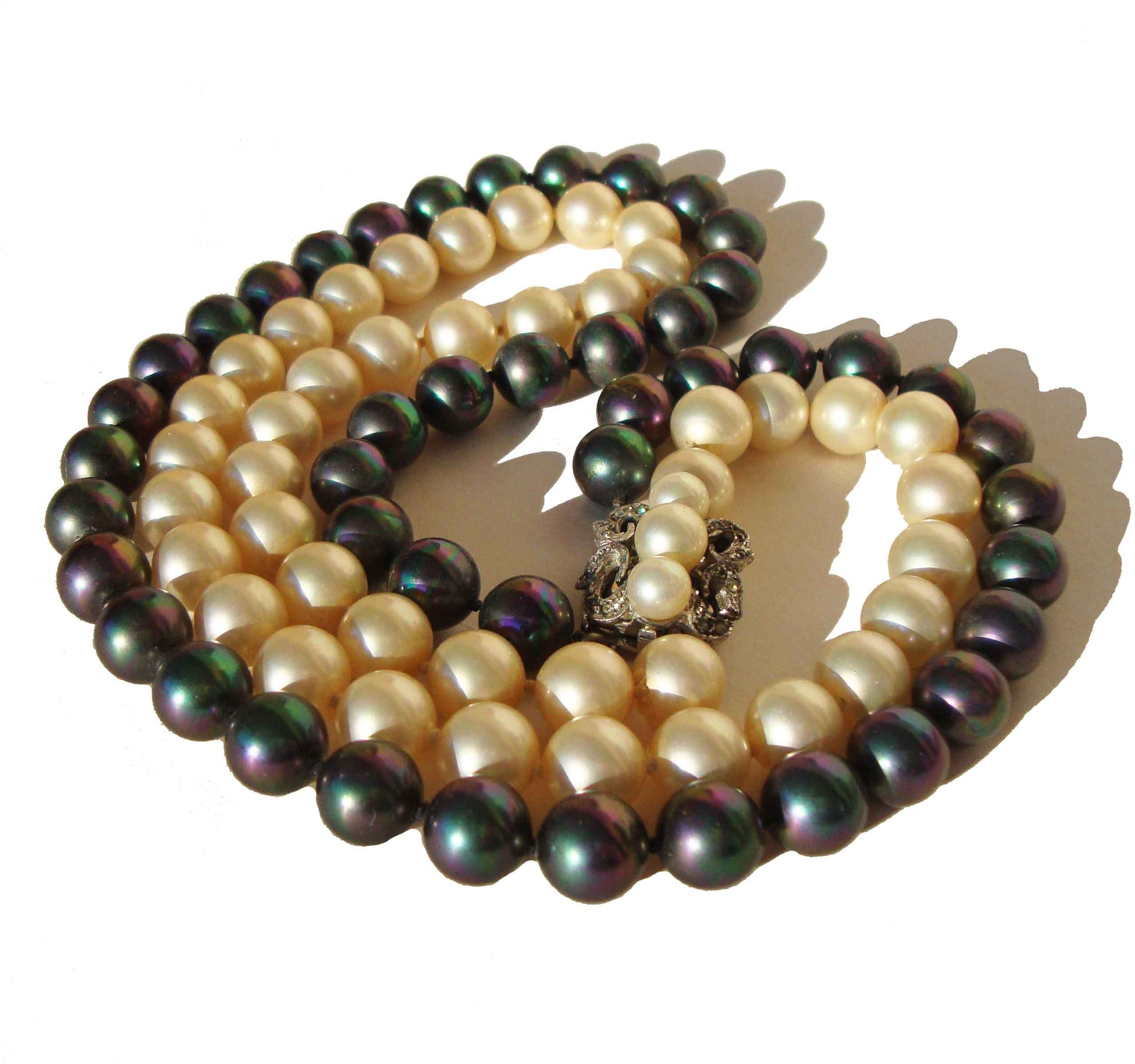 20abba9d035fe Vintage 50s Costume Pearl Necklace White & Black Double Strand Choker