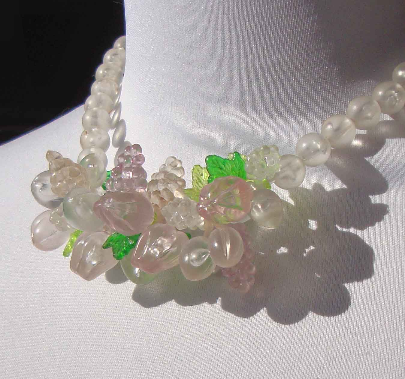 Vintage 50s Fruit Necklace Tutti Frutti Lucite Beaded Choker