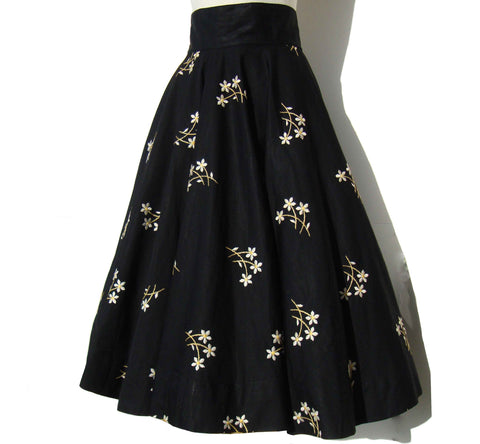 Vintage 50s Circle Skirt Black Cotton & Embroidered Flowers S XS